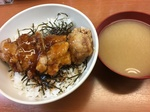 ガストSの若鶏竜田揚げ丼 (2).JPG
