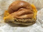 肉がっつり絶品チーズバーガー.JPG