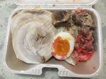 麺屋音の肉盛り弁当.jpg